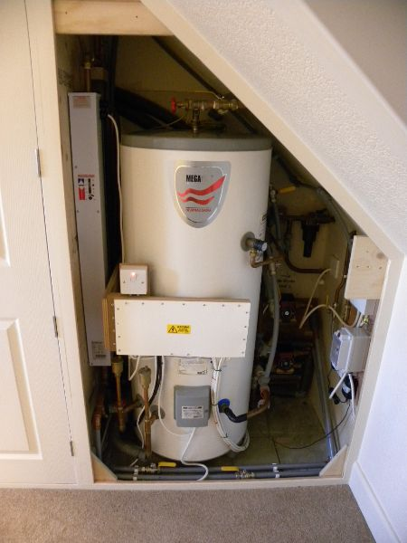 EP1_D Flow Boiler and Domestic hot water cylinder